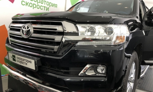 Toyota Land Cruiser 200 4.5d 2016