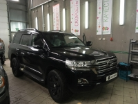 Toyota Land Cruiser Land Cruiser 200 4.5d 243hp AT 2015 года выпуска